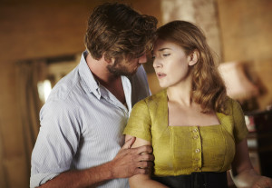 laim-hemsworth-kate-winslet-in-the-dressmaker